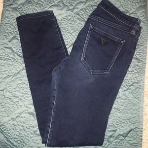 🌟 Guess 🌟 Dark denim Brittney Skinny